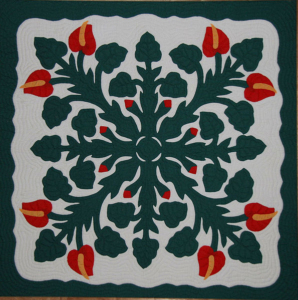 symmetrical-design-example-Hawaiian_Applique_Quilt_2