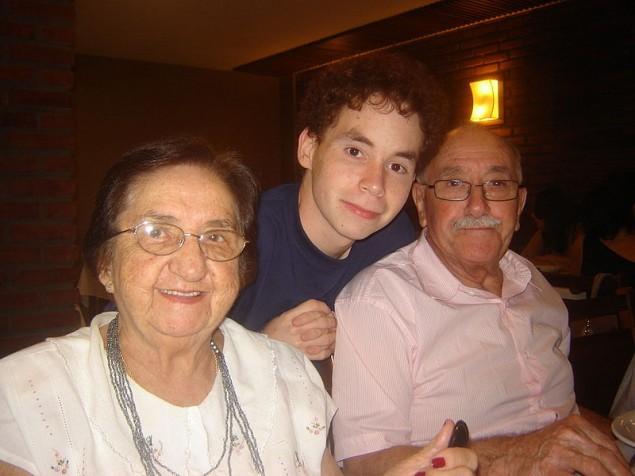 volunteering-with-elderly